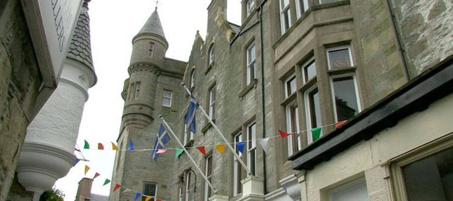 KGQ Shetland Hotels - The Grand Hotel Lerwick from Commercial Street